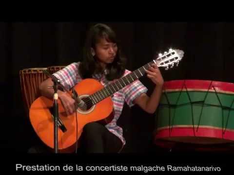 A FELICIDADE DYENS-MADAGASCAR-GUITARISTE MALGACHE