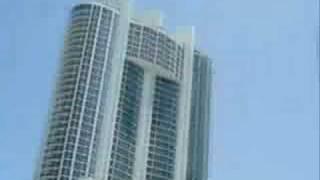Paris Hilton boukan miami beach