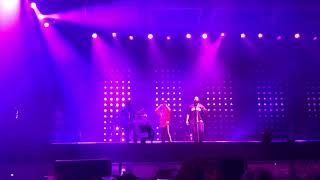 Download Lagu BRUNO MARS SINGING DUTCH (ik wil je zien want ik mis je) PINKPOP 2018 Gratis STAFABAND