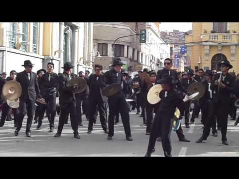 PENDEK´S BAND!!!!!  PRIMER CONVITE CARNAVAL DE ORURO 2014 PLAZA PRINCIPAL