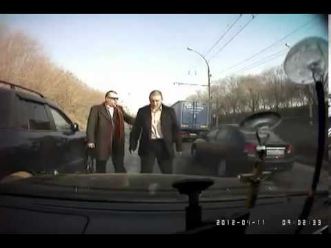 Russian Mafia Settle Car Accident like GTA