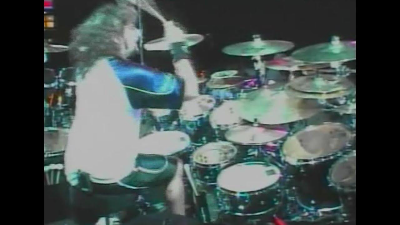 "Mike Portnoy - (Neil Peart Tribute) Dream TheaterによるRushカバー""The Necromancer""のライブ映像(2003.07.11 Jones Beach, NY)を公開 thm Music info Clip"