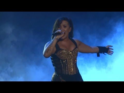 Demi Lovato - Skyscraper and Give Your Heart a Break (Live in...