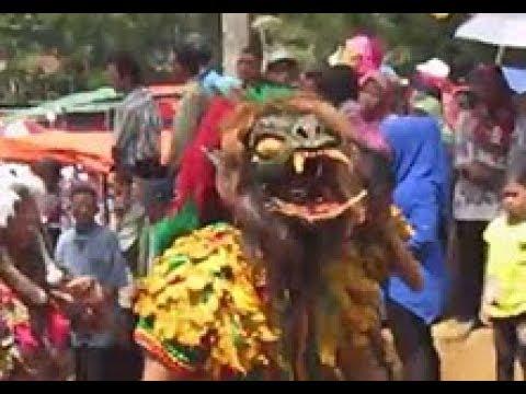 Kuda Lumping voc  Eni Aura Traditional Dance Rewo Rewo Awu Awu Langit PARAS