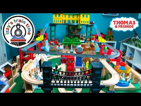 Thomas and Friends SUPER STATION WOODEN TRACK | Fun Toy Trains for Kids | Thomas Train with Brio