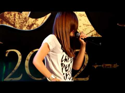 Aok sokunkanha Fall in Love @ AXC Launching concert 04/21/2012.mp4