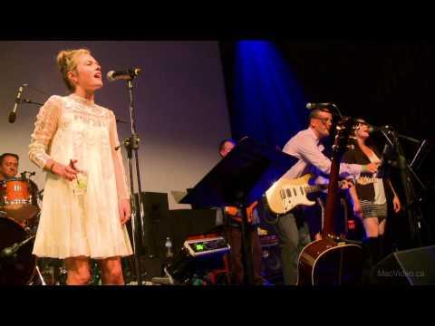 Maggie Lawson sings