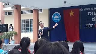 Diễn giả Huỳnh Anh Bình gây sốt học sinh cấp 3