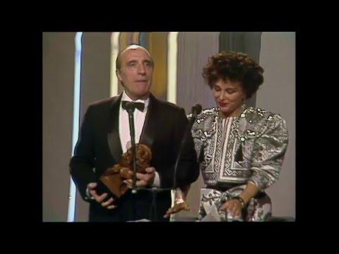 José Sazatornil 'Saza' se alza con el Goya 1989 a Mejor Actor de Reparto