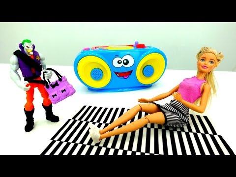 #Барби поймала грабителя 👜 Игры #Барби и спорт⚽ Видео для девочек