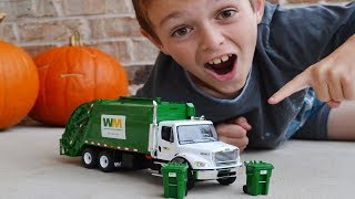 First Gear Diecast Garbage Truck Unboxing!   l Garbage Truck Video For Kids