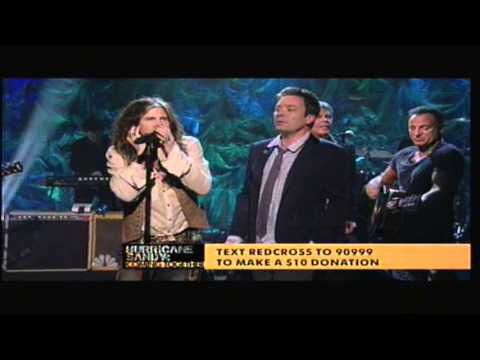 Jimmy Fallon, Steven Tyler, Billy Joel, & Bruce Springsteen - Under the Boardwalk