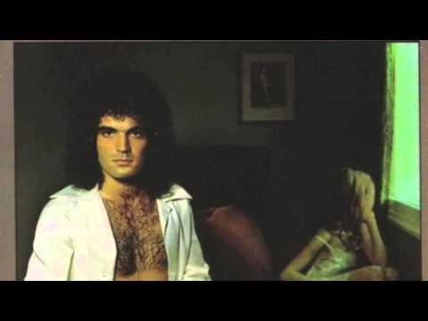 Gino Vannelli - Love Me Now