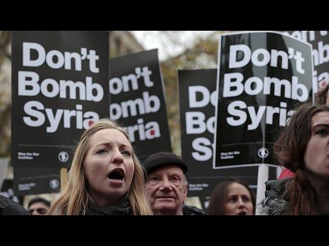 Manifestaciones pacifistas en Londres y Madrid contra los bombardeos en Siria