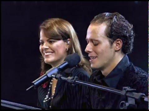 André Valadão e Ana paula valadao  QUE AMOR É ESSE DVD MAIS QUE ABUNDANTE