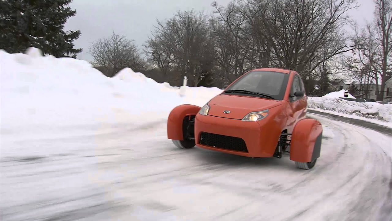 Watch The Elio Make Easy Work Of The Snow Youtube