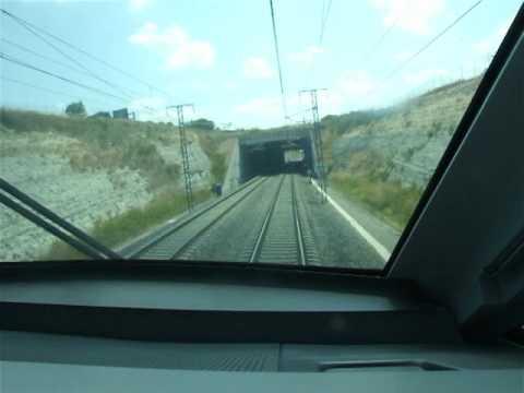 AVE Atravesando Villafranca del Panadés (Barcelona) RENFE