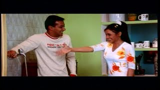 Salman Khan Fixes Rani Mukherjee's Kitchen Tap with his Shirt (Kahin Pyaar Na Ho jaye)