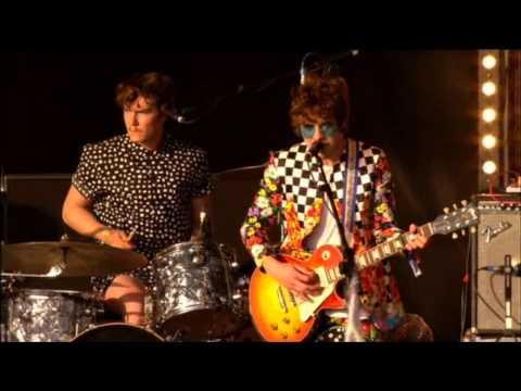 MGMT - Time to Pretend live @ Glastonbury 2010 HD High Quality