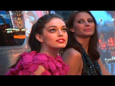 EMILY DiDONATO - Maybelline Color Sensational Lipstick Backstage | MODTV