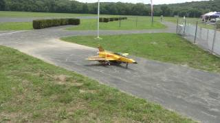 RC Jet Taxiing from the Runway