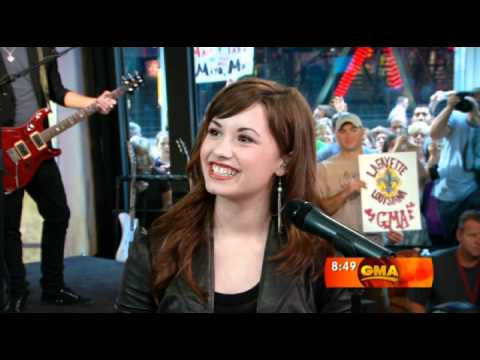 Demi Lovato performing Get Back & Intreview at GMA
