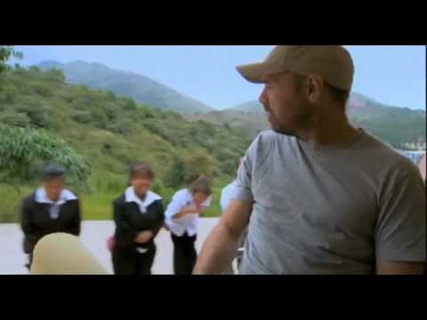 Karl Pilkington talks to Warwick Davis about Chinese dwarf village