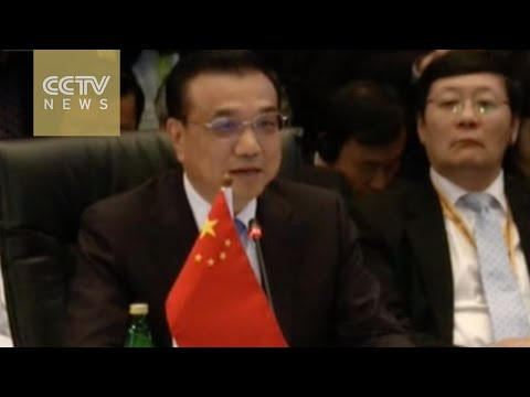 Premier Li Keqiang delivers opening remarks at ASEAN Summit