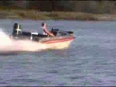 1988 Bass Tracker bass boat  on the Delaware River