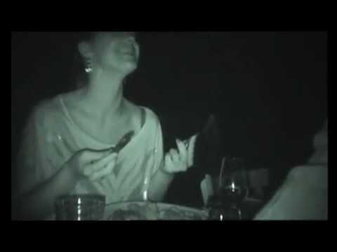 Dans le noir restaurant paris youtube for Dans ke noir