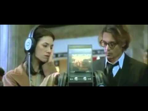 Johnny Depp & Charlotte Gainsbourg dans