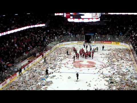 2010 Calgary Hitmen Teddy Bear Toss - Hitmen vs. Rebels (Original)