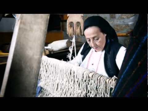 Aneta Micevska & Molika - Slusni Me Majko Stara -spot video