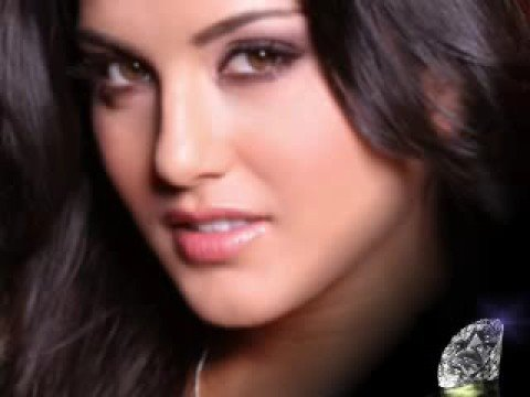 Sunny Leone Beautiful Hot & Sexy Snap Video 3 video