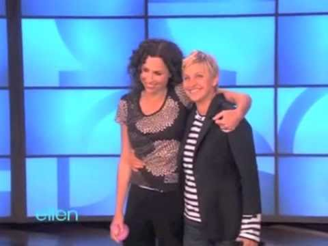 Minnie Driver agrees to be dunked!