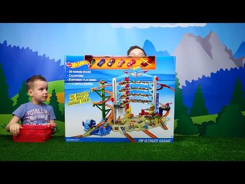 Hot Wheels МЕГАГАРАЖ Несколько треков, машинки, вертолет Весёлое видео для детей Toy tracks for kids