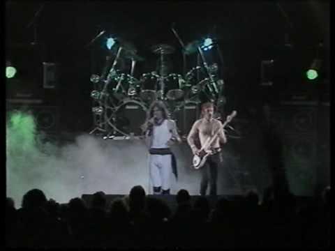 Saxon - 747 (live '83)