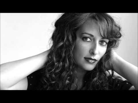 Rosi Golan - Cant Go Back
