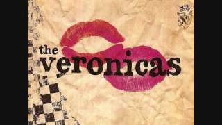 Watch Veronicas Leave Me Alone video