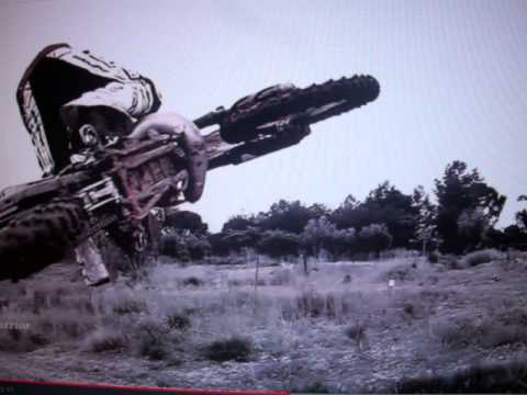 Motocross e saltos éShow Tequila Baby vd test FMi101