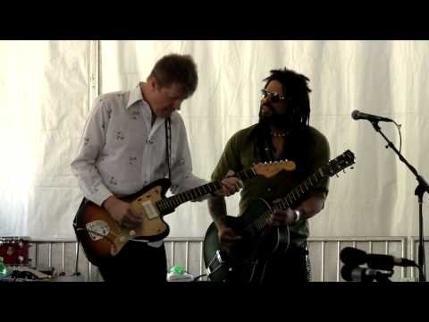 The Nels Cline Singers with Eric McFadden 2010-07-02 play Maggot Brain
