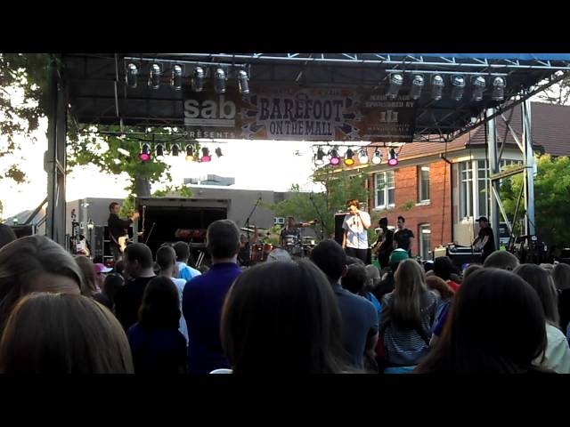 Lauren Alaina and guy sing at ECU