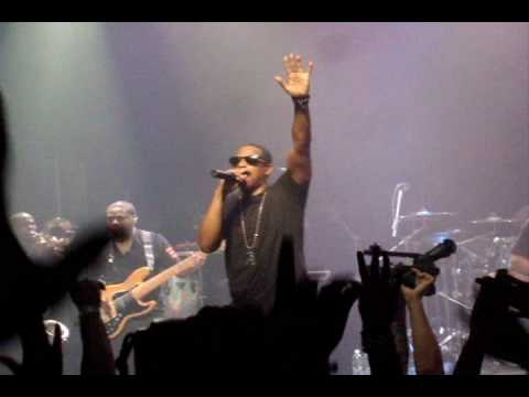 "Jay Z  ""H to the Izzo"" & ""Jigga My N*gga"" LIVE @ Myspace Concert In NYC"