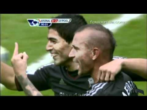 http://twitter.com/futbision Raul Meireles muestra el dedo medio a Lucas Leiva - Arsenal vs Liverpool 0-2 Premier League [20/08/11]
