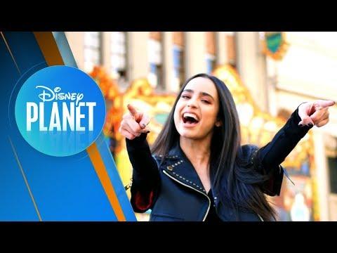 Sofia Carson Habla sobre Descendientes 3, Soy Luna, Canta y nos Lleva de Paseo l Disney Planet
