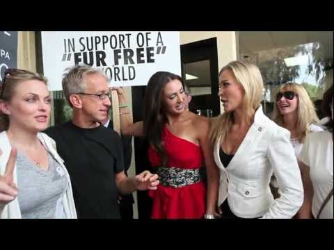 Katie Cleary & Joanna Krupa Delivering Their Petition to DASH- PHOTOGRAPHED BY JEFF LINETT