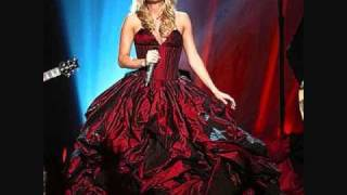 The First Noel - Carrie Underwood (+lyrics)