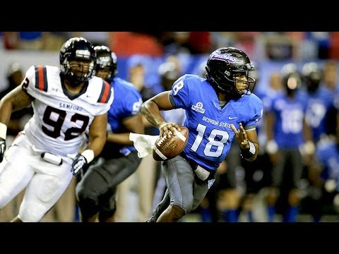 Quarterback Ronnie Bell threw for 391 yards and three touchdowns as Georgia State football dropped its inaugural game in the Football Bowl Subdivision 31-21 ...