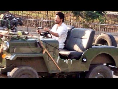Shahrukh Khan RAEES Shooting - Riding JEEP In Mumbai - LEAKED thumbnail