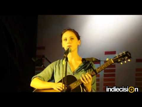 Laura Marling - Goodbye England (Covered In Snow) (Live at Bandra Fort Amphitheatre, Mumbai)